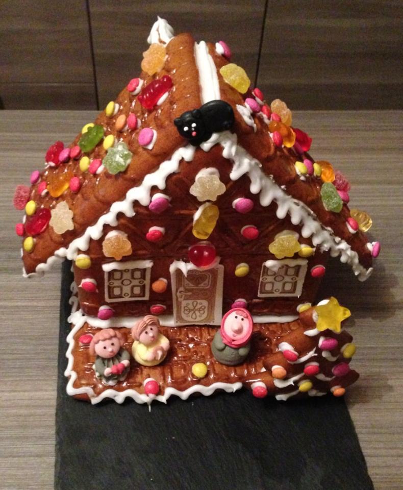 La maison en pain d 39 pices dans la marmite d 39 elise for Aavi maison du gps